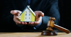 Should I hire a Real Estate Attorney when buyng or selling a property?